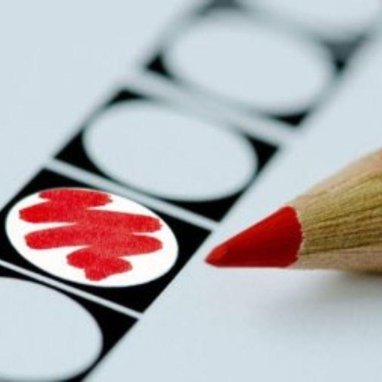 Afbeelding Stembiljet met rood potlood