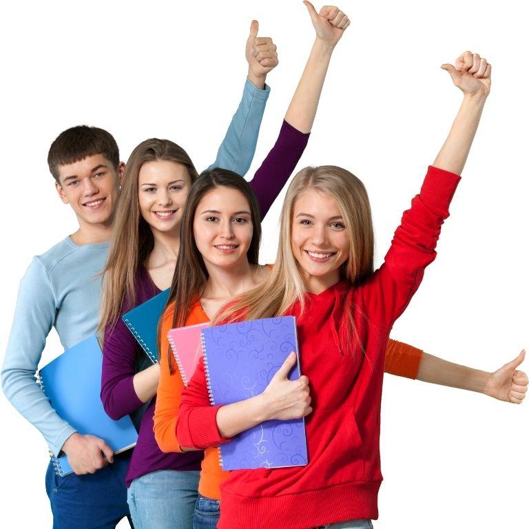 vier studenten schuin achter elkaar met gestrekte linkerarm en duim omhoog met in rechterarm een schrijfblok