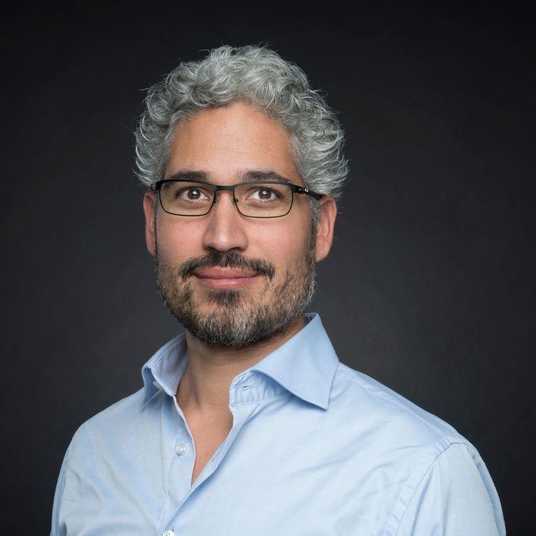 Afbeelding Matthijs Eijgelshoven man met baardje en bril